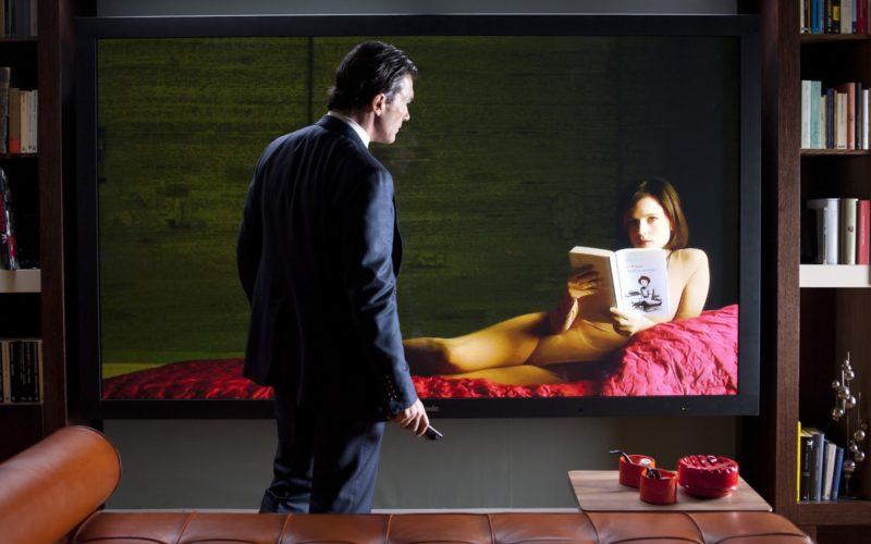 kadr z filmu Skóra, w której żyję