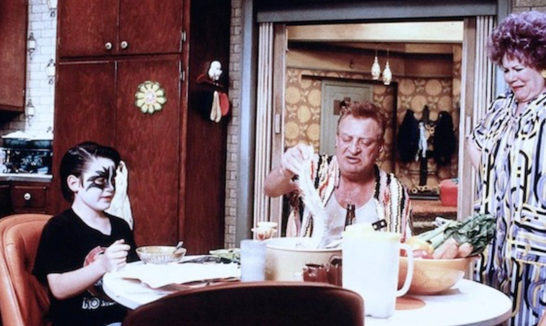 Scena w domu rodziców Mallory