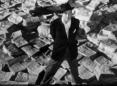 """Kadr z filmu """"Obywatel Kane"""", przedstawiający głównego bohatera, Charles'a Fostera Kane'a."""